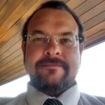 Adriano Valente, consultor.