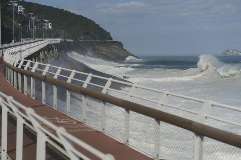 Projeto básico da obra não considerou impacto das ondas, diz especialista. (Foto: Agência Brasil)