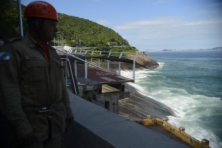 Construtora diz que executou obra de acordo com projeto básico fornecido pela prefeitura. (Foto: Agência Brasil)
