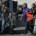 PF leva suspeito de corrupção nas obras do metrô do RJ no dia 14 de março. (Foto: Tânia Rêgo/Agência Brasil)